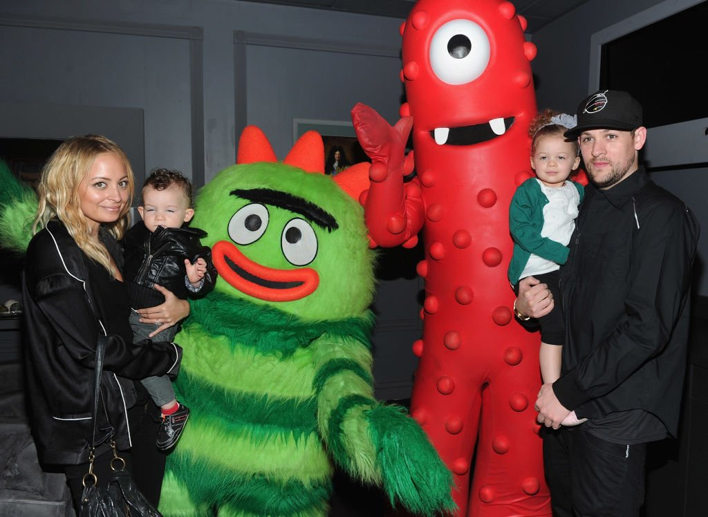 Image Credit: Getty Images / Nicole Richie, son Sparrow Madden, musician Joel Madden and daughter Harlow Madden attend Yo Gabba Gabba! Live! on November 27, 2010.
