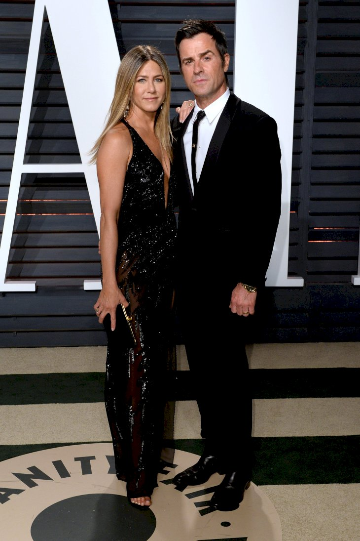 Image Credit: Getty Images/Anthony Harvey | Justin Theroux and Jennifer Aniston attend the 2017 Vanity Fair Oscar Party