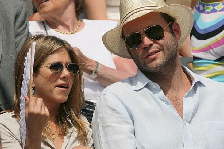 Image Credit: Getty Images/Clive Brunskill | Jennifer Aniston and Actor Vince Vaughn attend the French Open