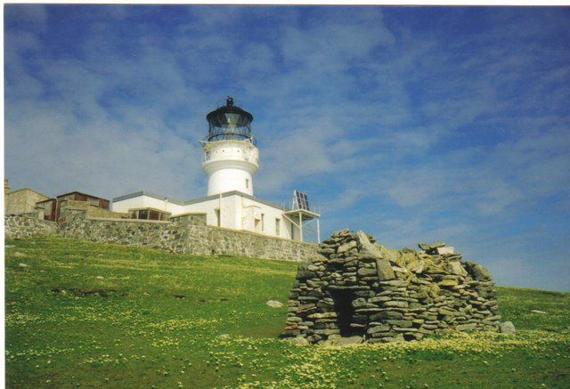 Image Credits: JJM/St. Flannan's Cell and Flannan Isles Lighthouse