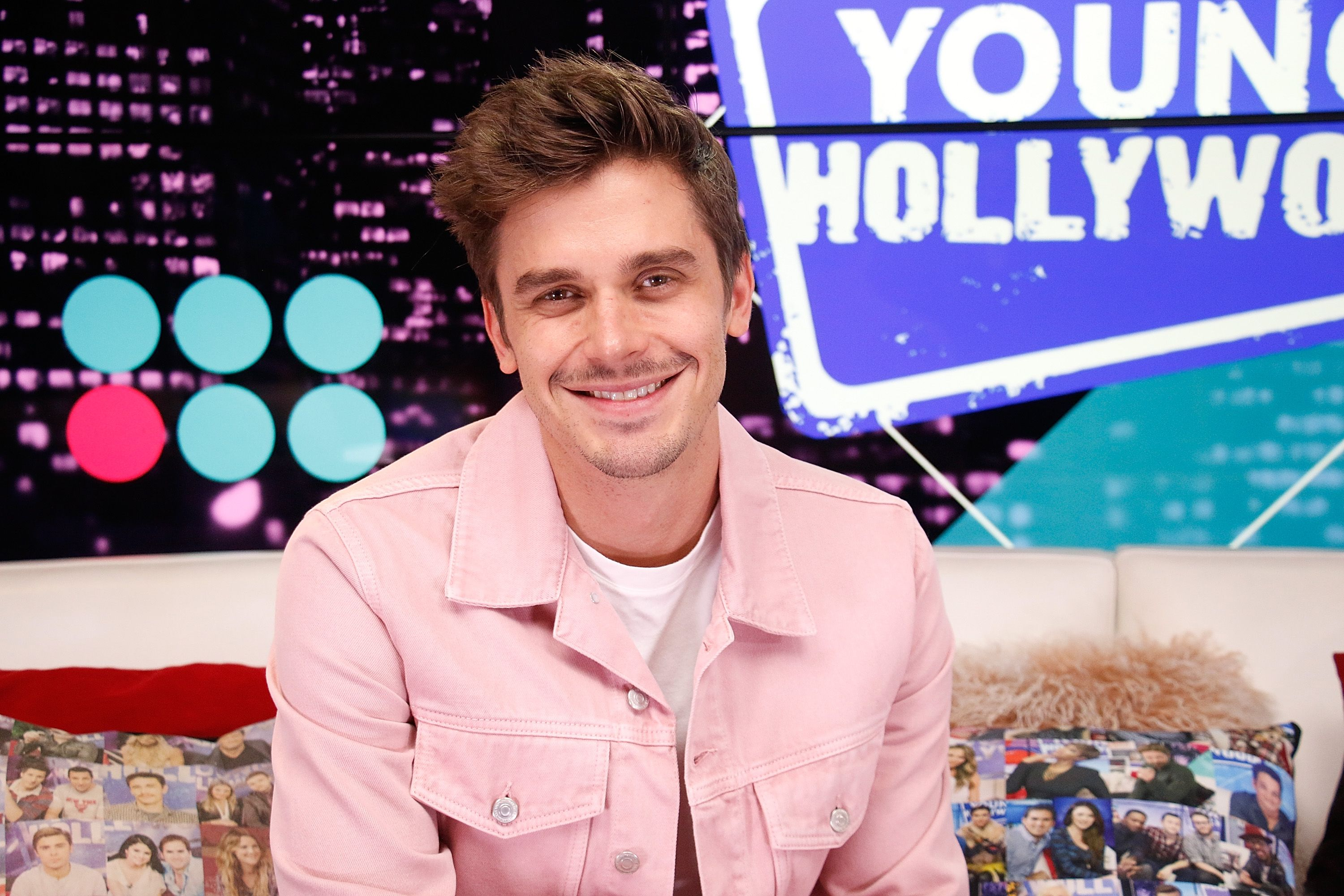 """Antoni Porowski from """"Queer Eye"""" visits the Young Hollywood Studio / Getty Images"""