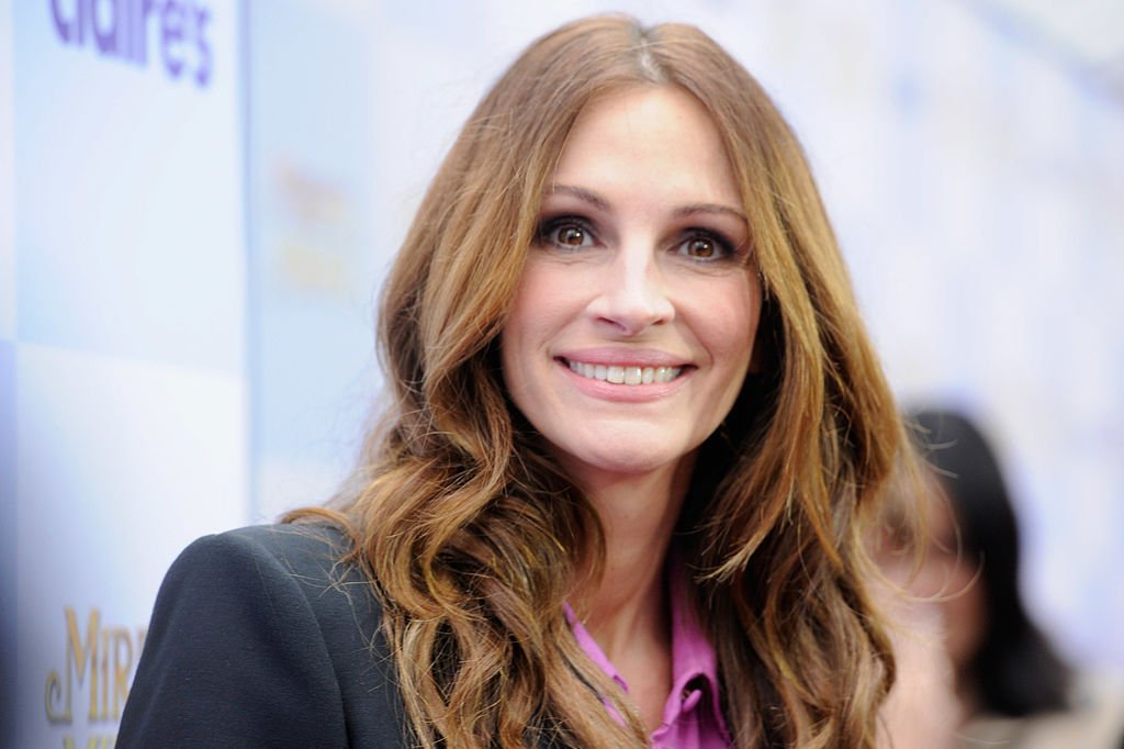 "Image Credit: Getty Images / Actress Julia Roberts arrives at Relativity Media's ""Mirror Mirror"" Los Angeles premiere at Grauman's Chinese Theatre on March 17, 2012 in Hollywood, California."