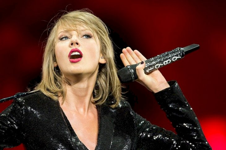 Image Credits: Getty Images / Carrie Davenport / TAS | Taylor Swift brings the 1989 World tour to 3Arena on June 30, 2015 in Dublin, Ireland.