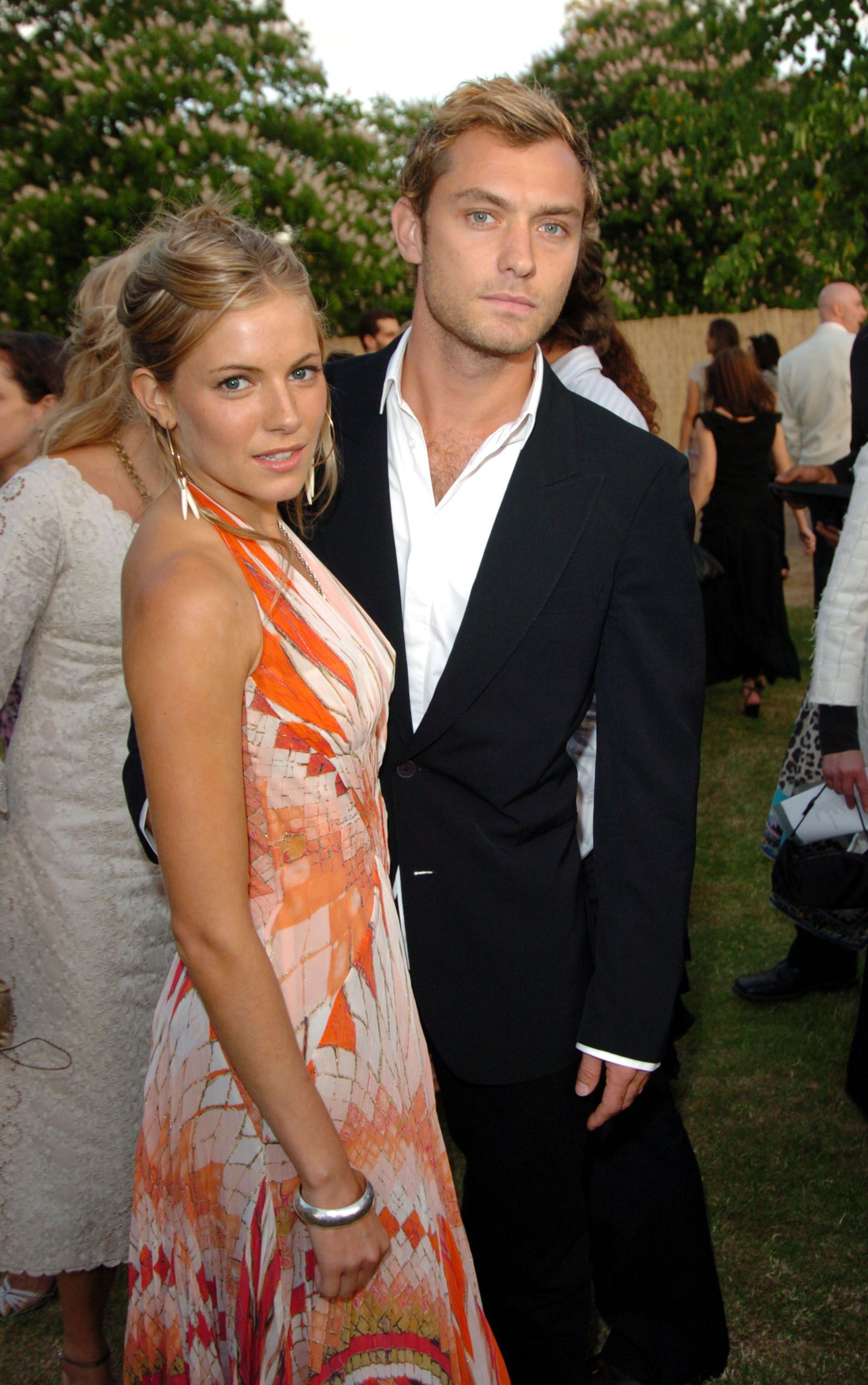 serpentine Gallery Summer Party - June 16, 2004 Sienna Miller and Jude Law (Photo by Jon Furniss/WireImage)