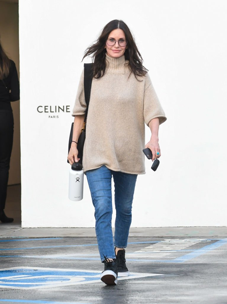 Image Source: Getty Images/BG002/Bauer-Griffin/Courteney Cox is seen on March 10, 2020 in Los Angeles, California