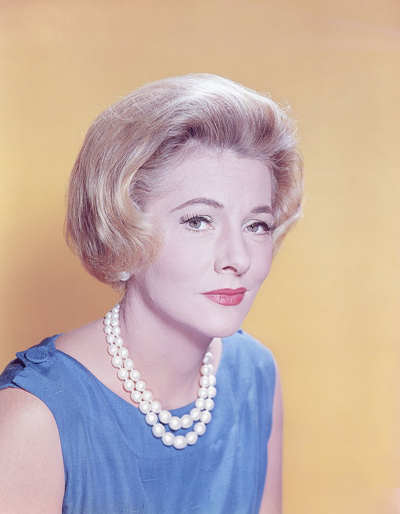 Image Source: Getty Images/Camerique/Fontaine in 1965 wearing a pearl necklace for a portrait