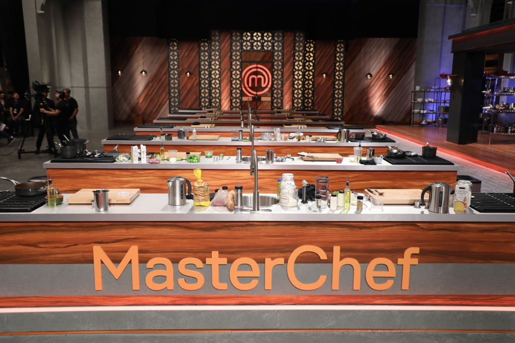 Image Source: Getty Images/NBCU Photo Bank/NBCUniversal via Getty Images/Telemundo/Alexander Tamargo | Set of MasterChef Latino Season 1