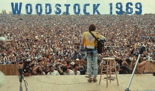 25+ Woodstock Photos That Will Make You Wish You Were There