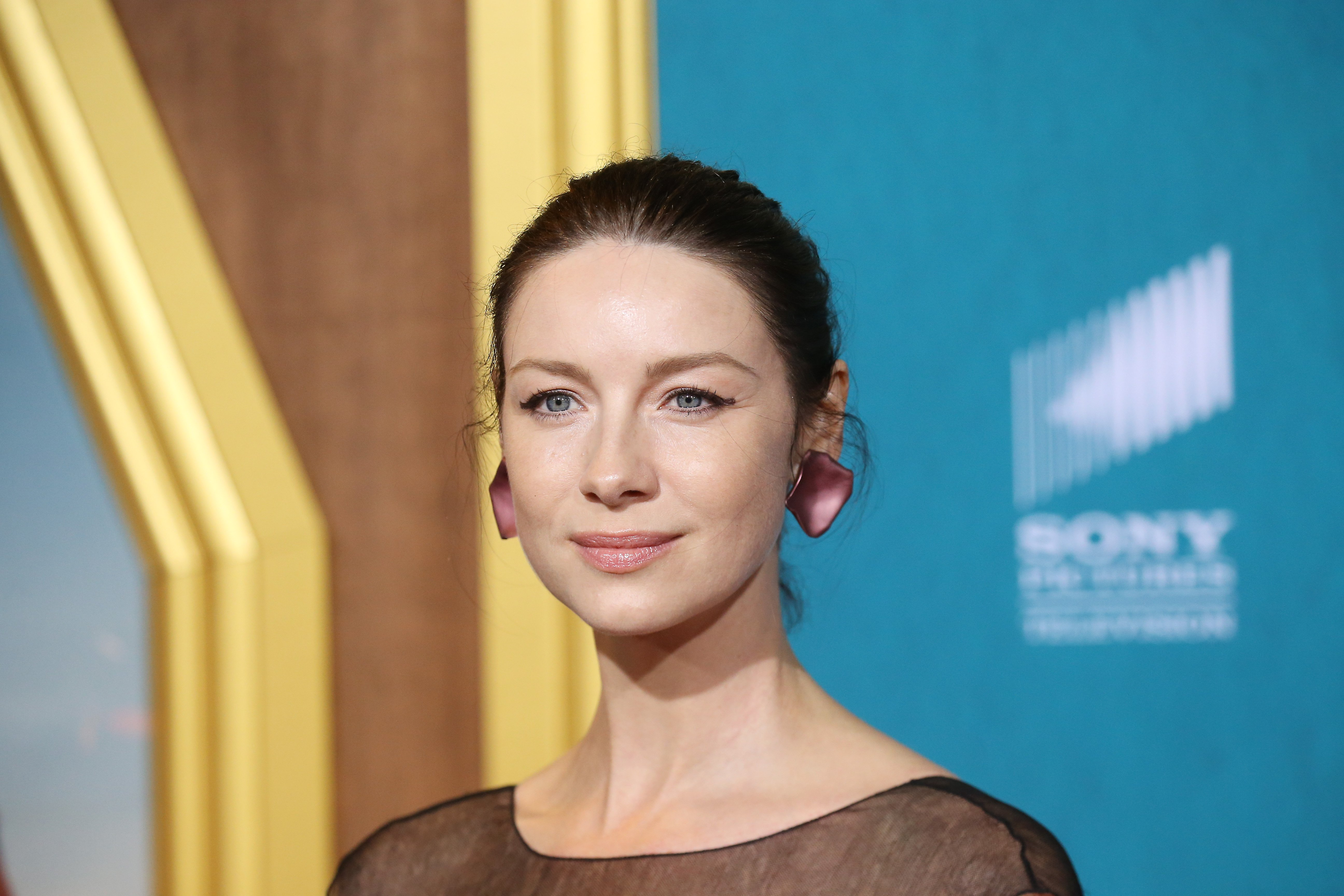 "Caitriona Balfe attends the Los Angeles Premiere of Starz's ""Outlander"" Season 5 / Getty Images"