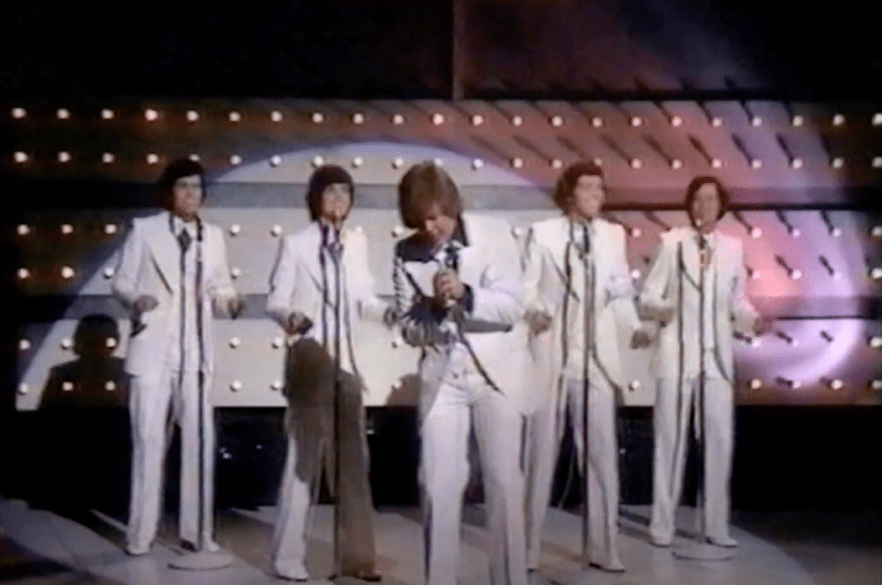 Image Source: Youtube/Dave's Osmond Videos/The Osmond singing Love Me For A Reason