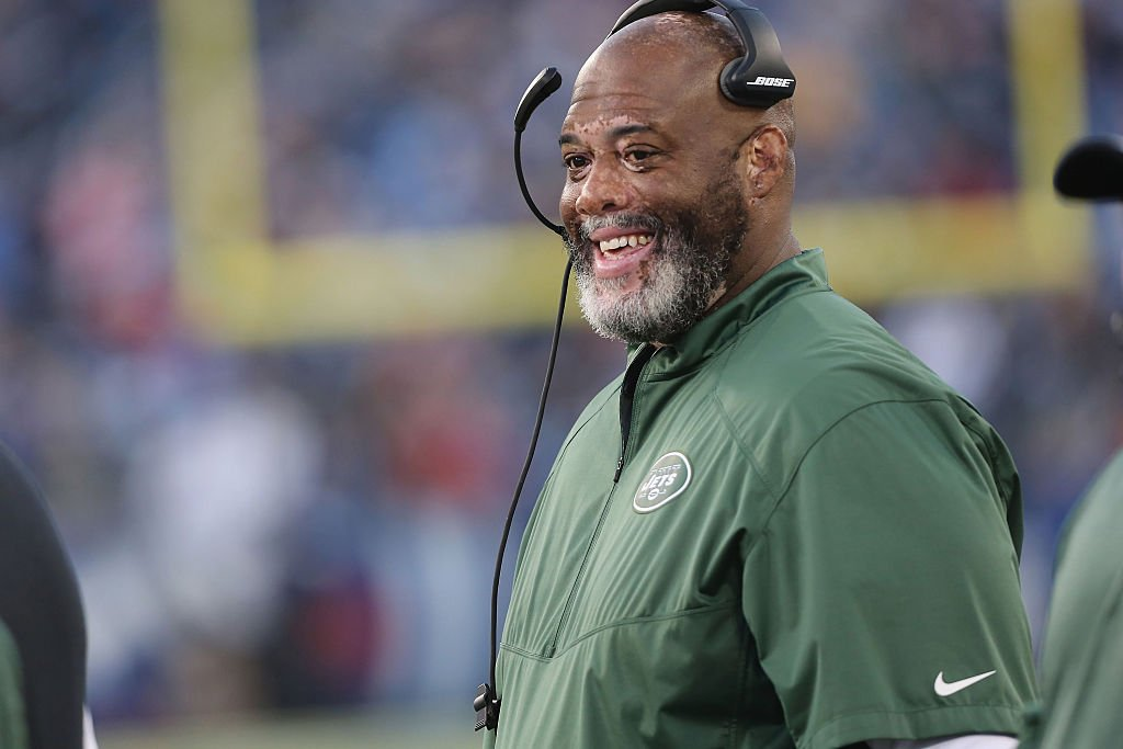 Image Credits: Getty Images / Al Pereira / New York Jets   Defensive Line Coach Karl Dunbar of the New York Jets follows the action against the Tennessee Titans at LP Field on December 14, 2014 in Nashville, Tennessee.