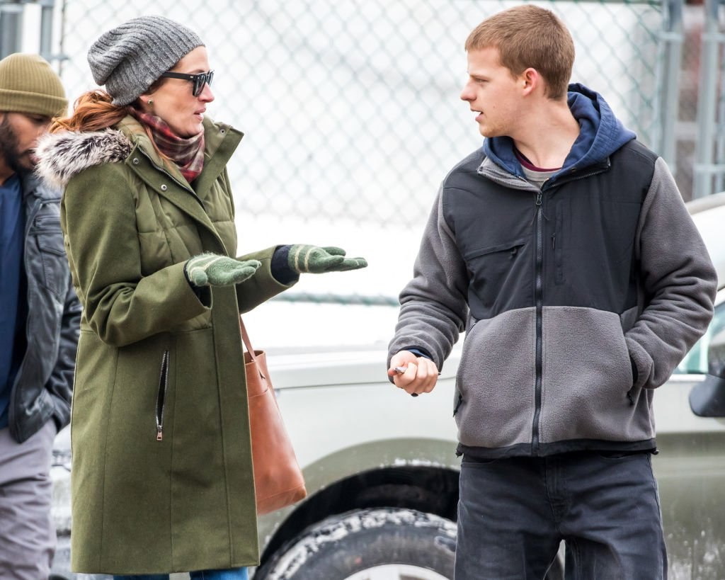 Image Source: Getty Images/Alessio Botticelli/Julia Roberts and Lucas Hedges are seen on location filming 'Ben Is Back' on January 8, 2018 in New York, New York
