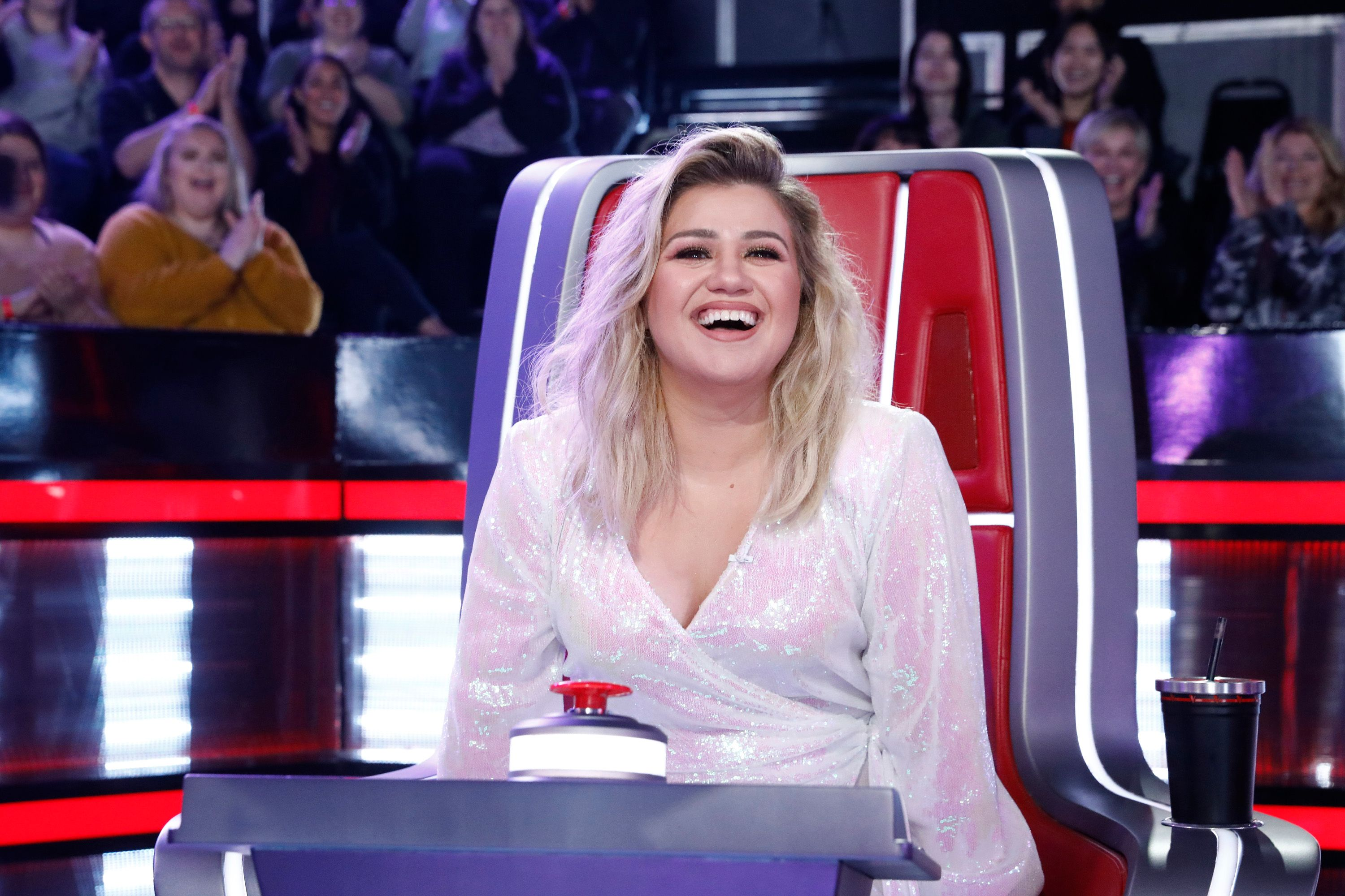 Kelly Clarkson at the Blind Auditions of The Voice / Getty Images