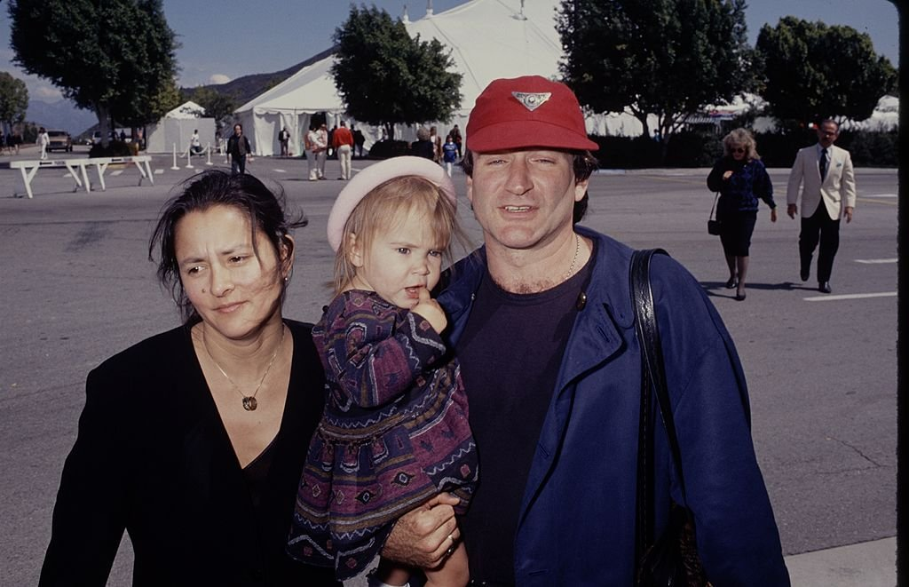 Image Credits: Getty Images / The LIFE Picture Collection | Robin Williams and his wife Marsha and daughter Zelda.