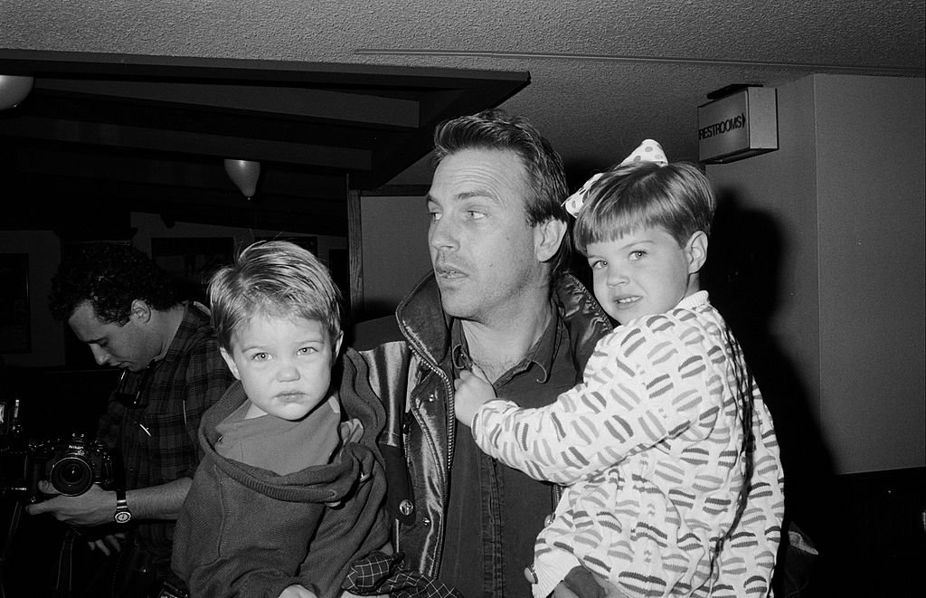 Image Credit: Getty Images / Kevin Costner, Lily, Joe and Annie Costner in 1990.