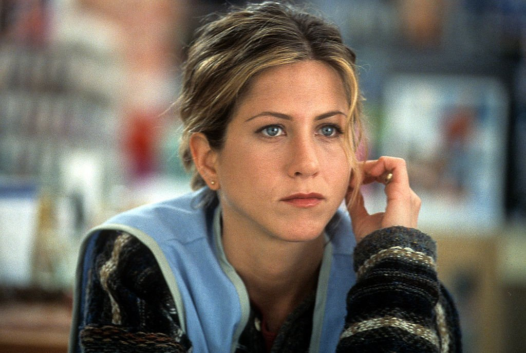 Image Credit: Getty Images / Jennifer Aniston on the set of a movie in 2002.