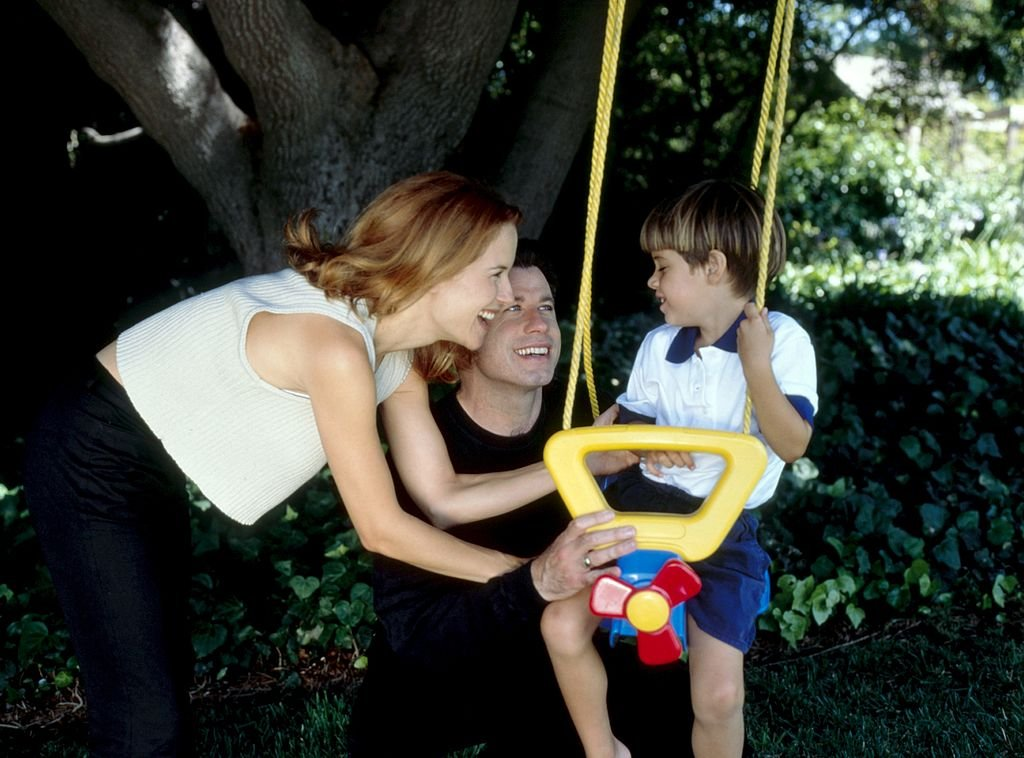 Image Source: Getty Images/CANOVAS Alvaro/Kelly and John with their child
