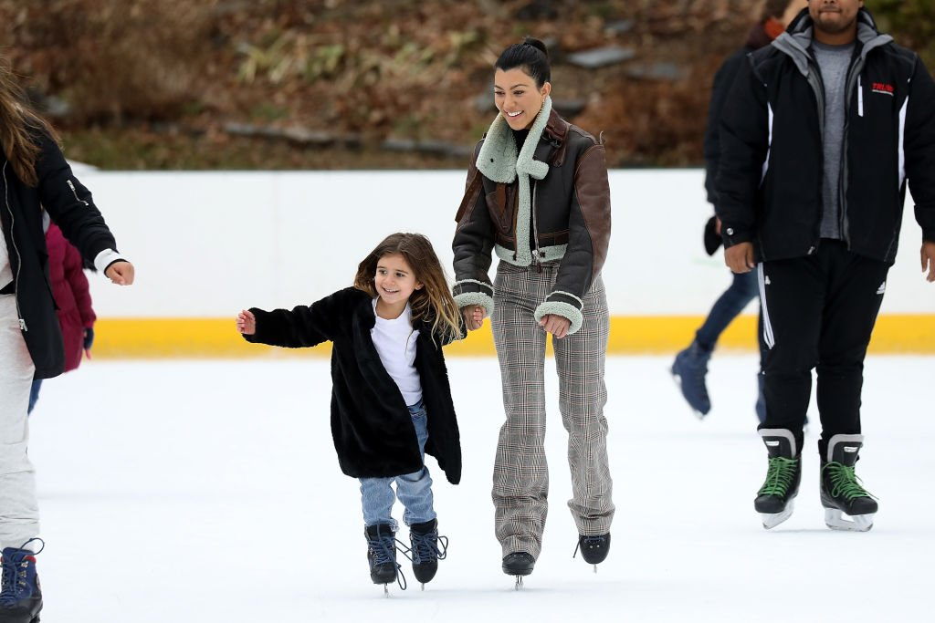 Image Credit: Getty Images / Kourtney Kardashian is seen ice skating with her daughter Penelope in central Park on February 4, 2018 in New York City.