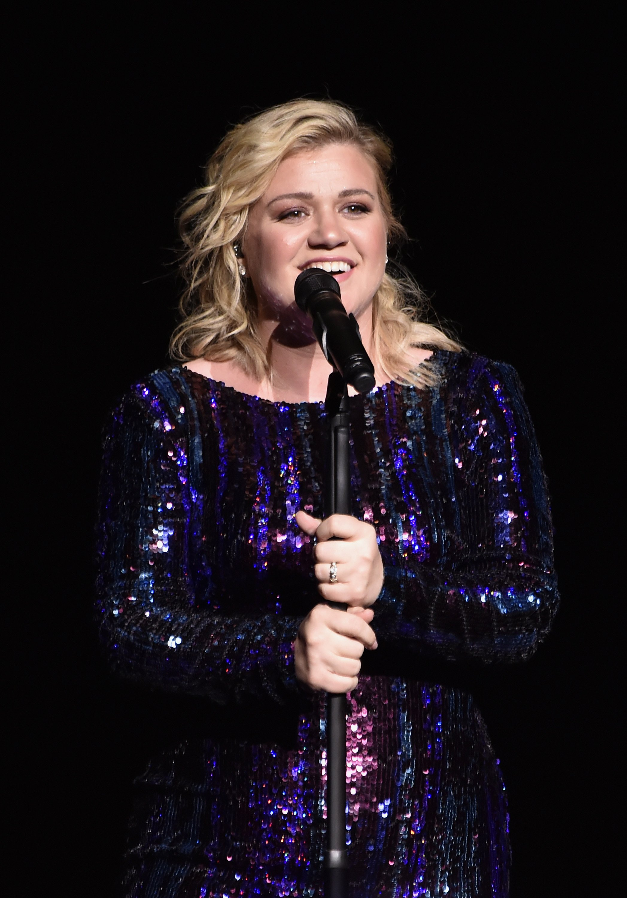 Image Credits: Getty Images | Kelly Clarkson performing
