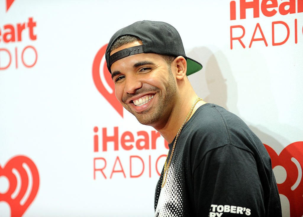 Image Credit: Getty Images / Singer Drake attends the iHeartRadio Music Festival at the MGM Grand Garden Arena on September 21, 2013 in Las Vegas, Nevada.