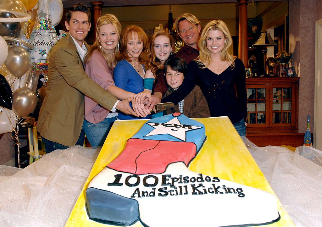 "Image Credit: Getty Images / ""Reba"" 100th Episode Celebration features some of the cast members including Reba McEntire and Joanna Garcia"