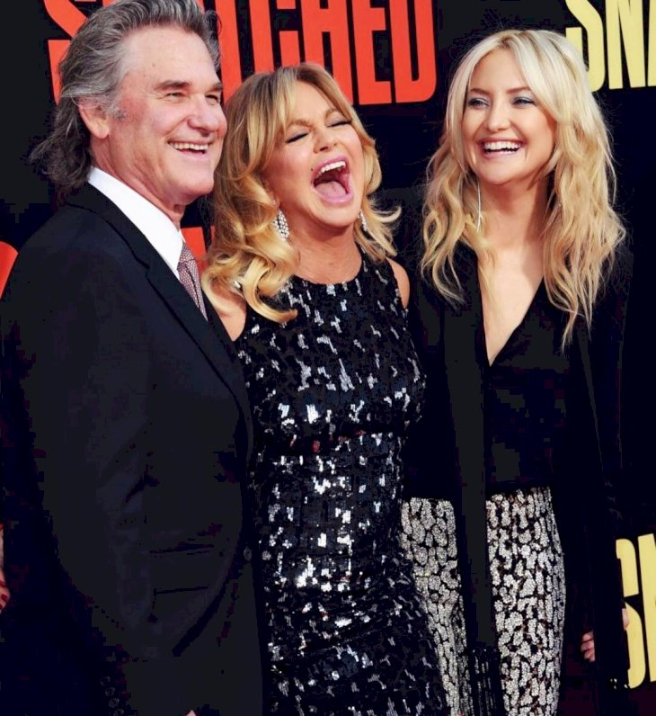 Image Credit: Getty Images / Goldie Hawn and Kurt Russell with their daughter, Kate Hudson.