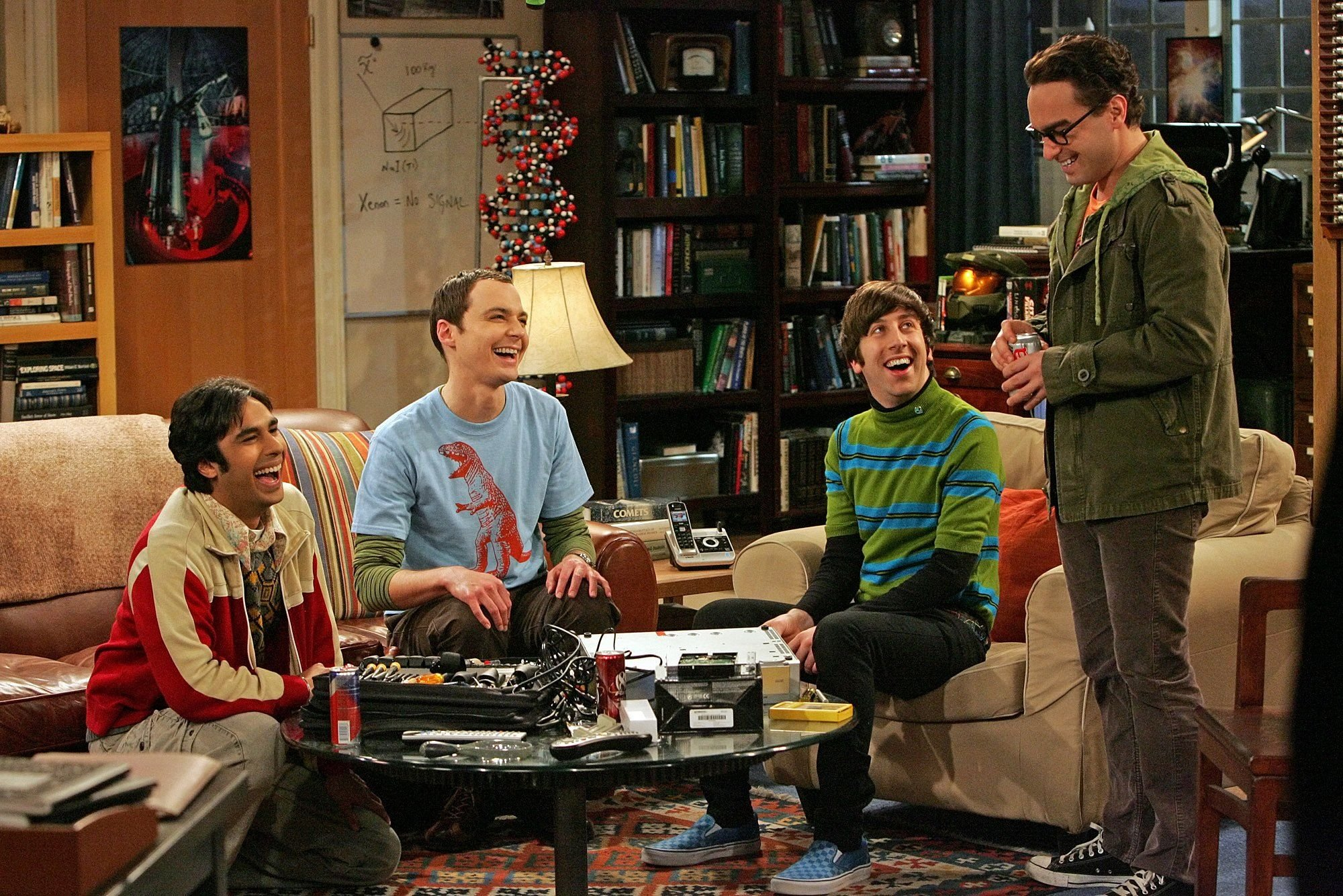 The leading actors of TBBT know nothing of science / Getty Images