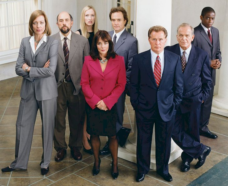 Image Credit: Getty Images / The Cast of West Wing pose for a portrait.