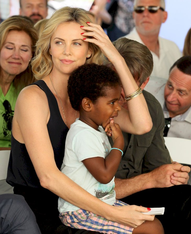 Charlize Theron and her adopted child /Photo:Getty Images