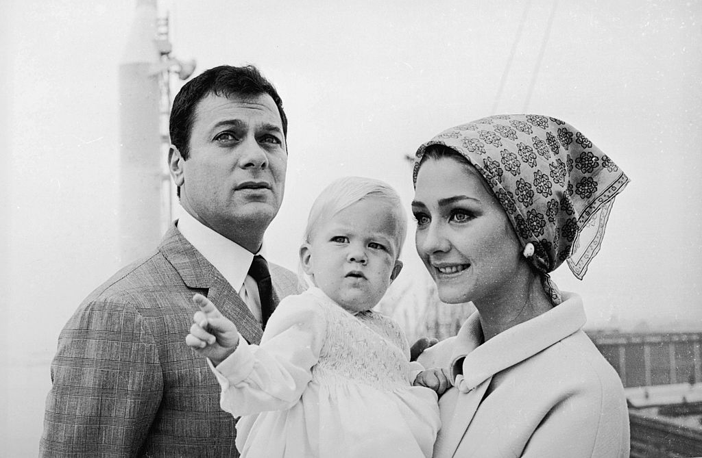 Tony Curtis, Christine Kaufmann and their daughter Alexandra | Image Source: Getty Images