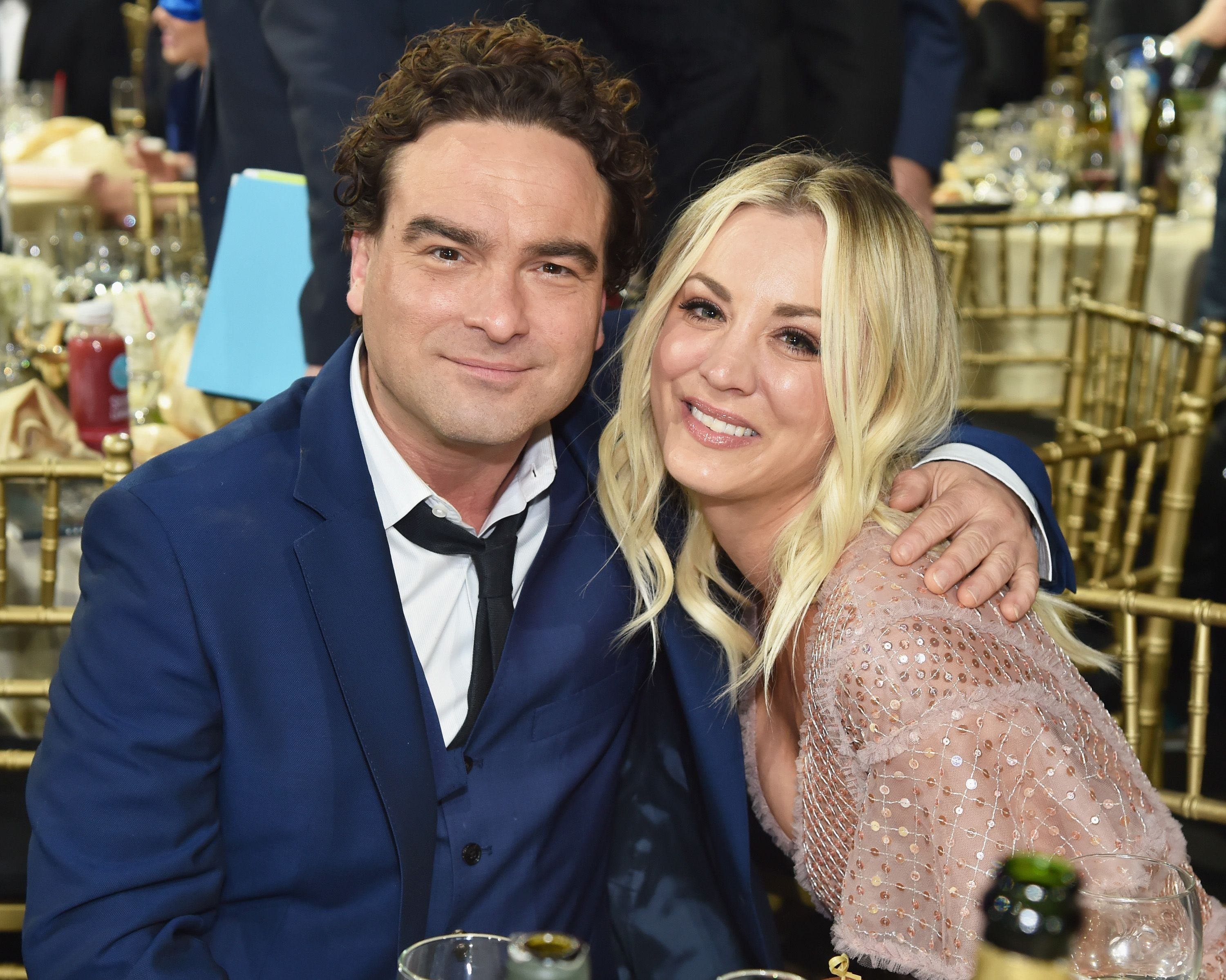 Johny Galecki and Kaley Cuoco used to date in real life / Getty Images