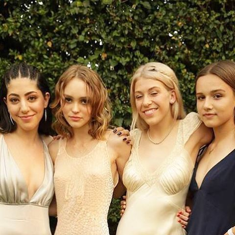 Image Source: Pinterest/PopSugar | Lily Rose Depp attends prom with friends