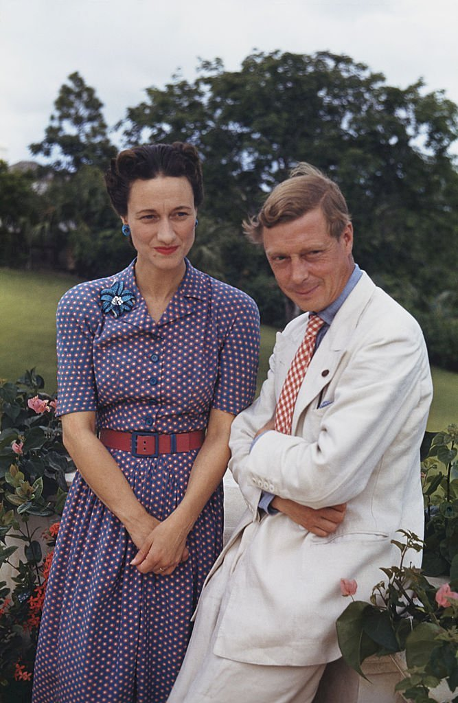 Image Credits: Getty Images / Ivan Dmitri / Michael Ochs Archives | Wallis, Duchess of Windsor (1896-1986) and the Duke of Windsor (1894-1972) outside Goverment House in Nassau, the Bahamas, circa 1942.