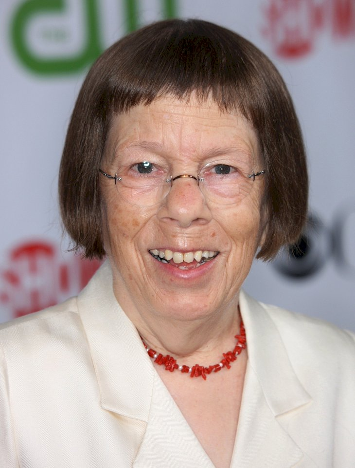 Image Credit: Getty Images/Frederick M. Brown |Linda Hunt arrives at the CBS, CW, CBS Television Studio and Showtime TCA party in 2009