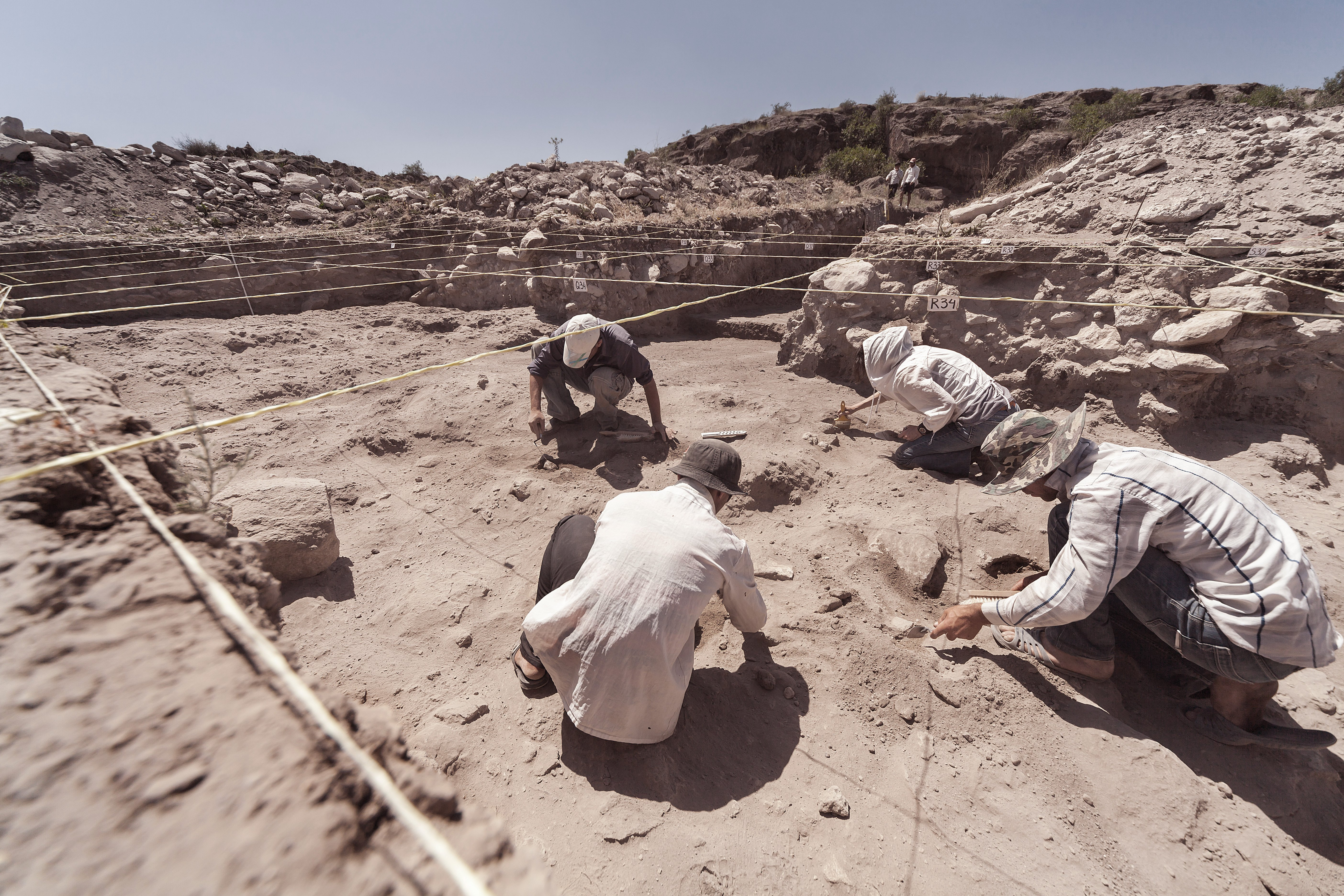 Origin of the Evolution of Life Unearthed