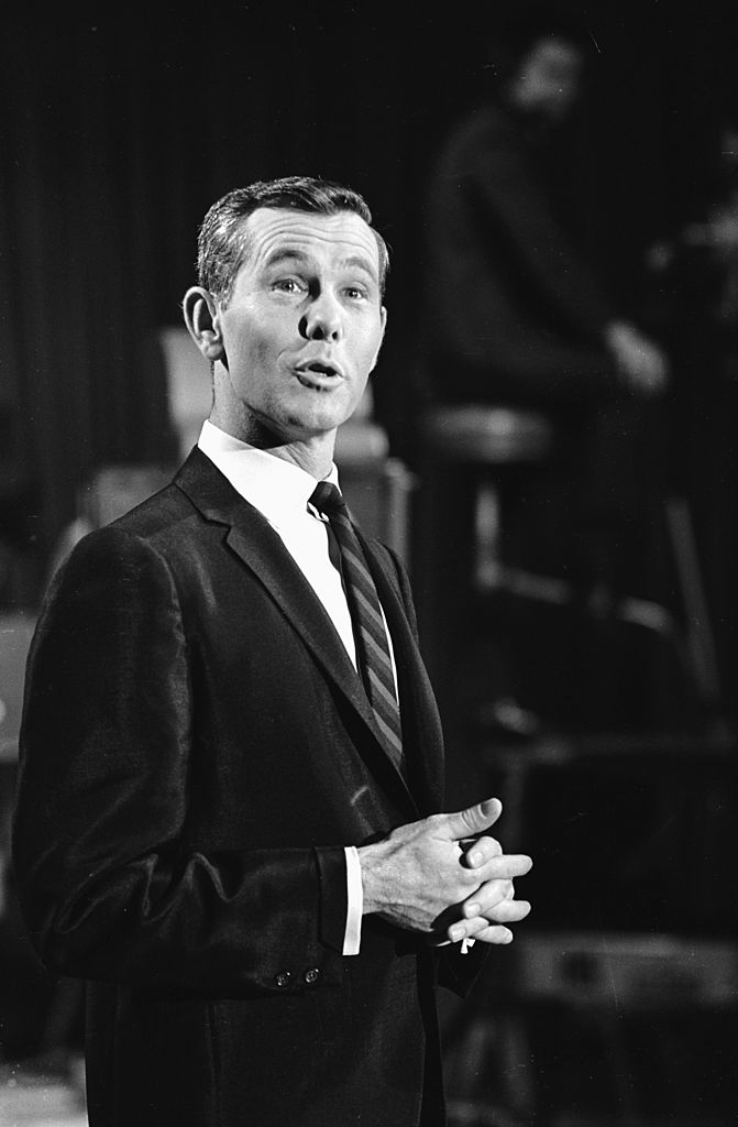 Image Credits: Getty Images / Keystone Features | Johnny Carson, star of NBC's 'Tonight' show, one of the channel's flagship, colour programmes.