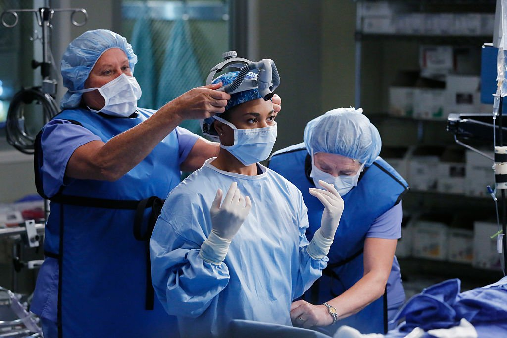 Image Credit: Getty Images/Walt Disney Television via Getty Images/Vivian Zink | Still from a surgery scene in Season twelve