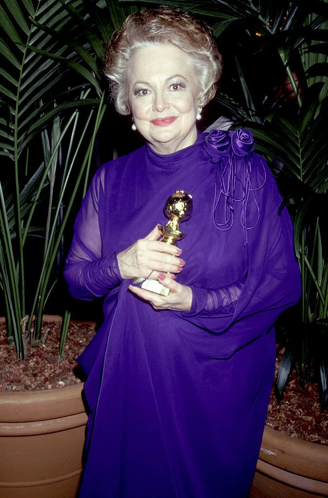 Image Credits: Getty Images / Jim Smeal/Ron Galella Collection | Olivia de Havilland during The 44th Annual Golden Globe Awards