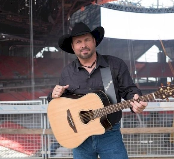 Image credit: Instagram/Garth Brooks