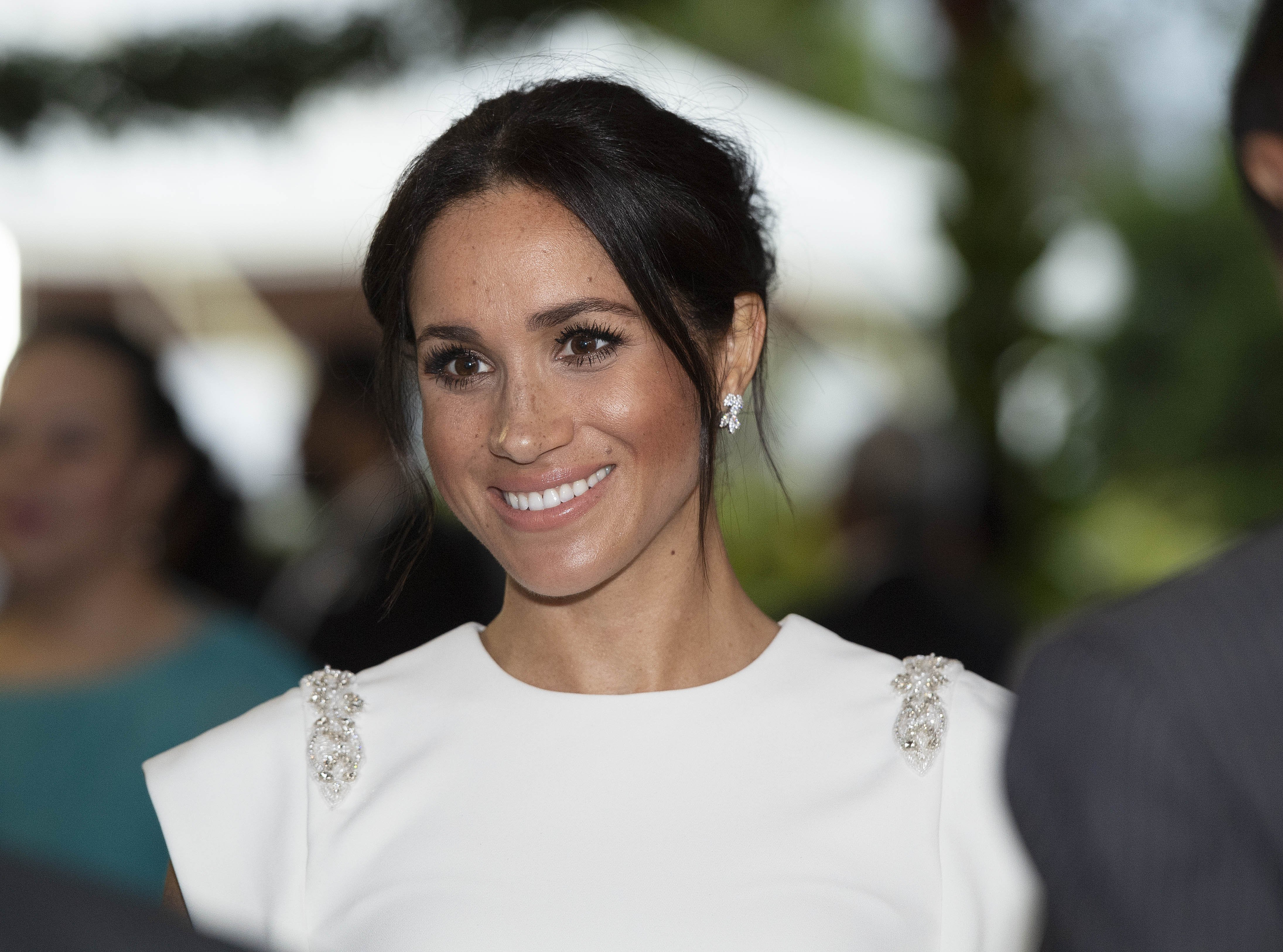 Image Credits: Getty Images / Paul Edwards - Pool | Meghan, Duchess of Sussex attends a state dinner at the Royal Residence.