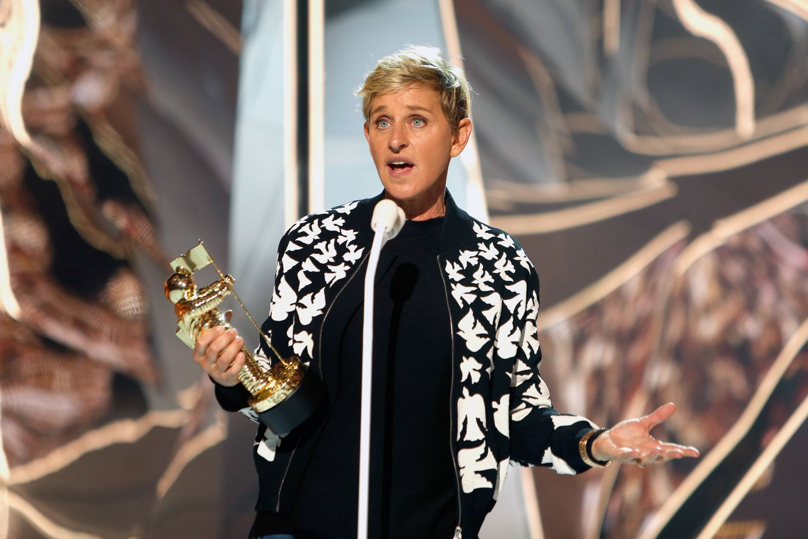 Ellen DeGeneres captured at the 2017 Video Music Awards/Photo:Getty Images