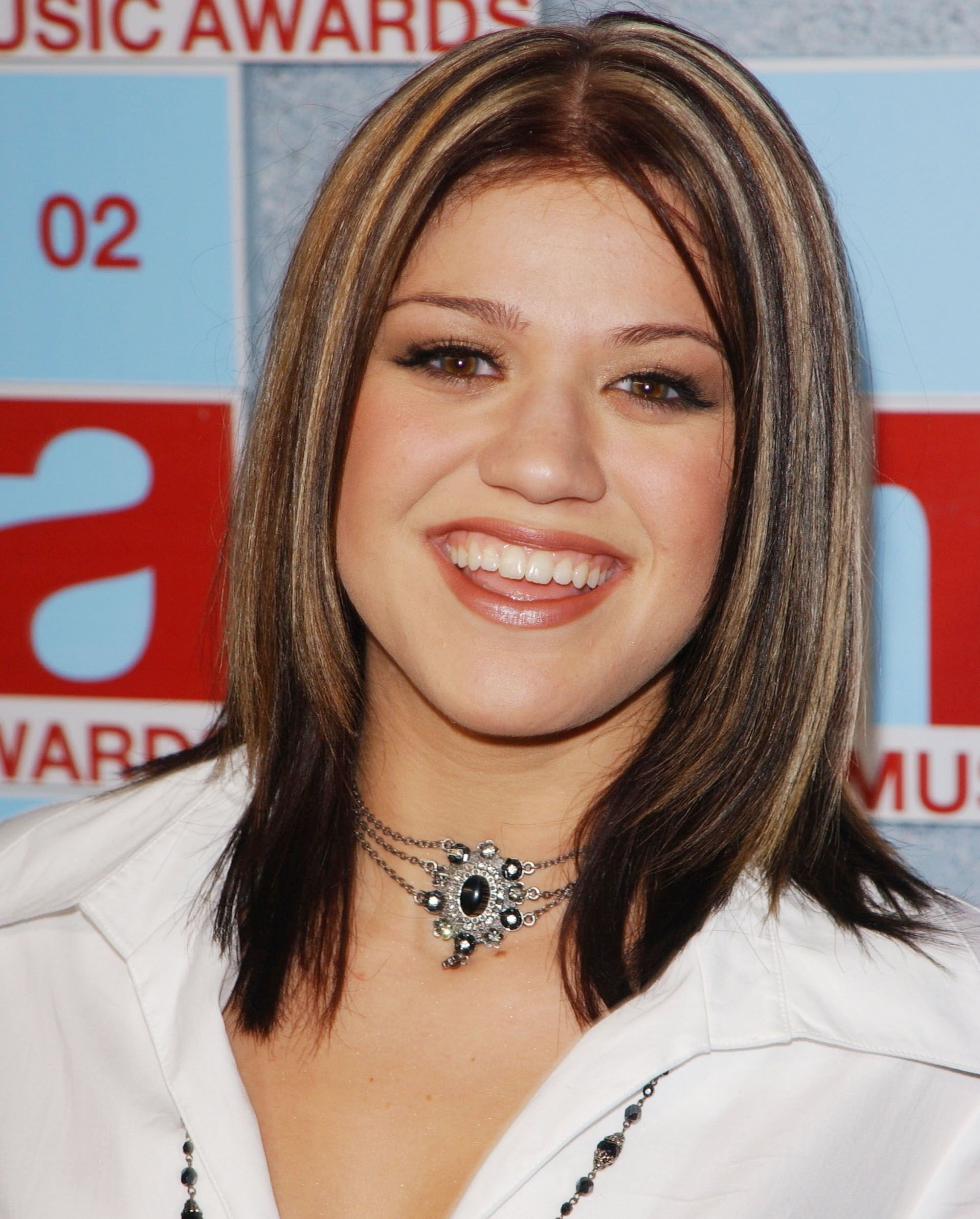 Kelly Clarkson grew up without a father by her side / Getty Images