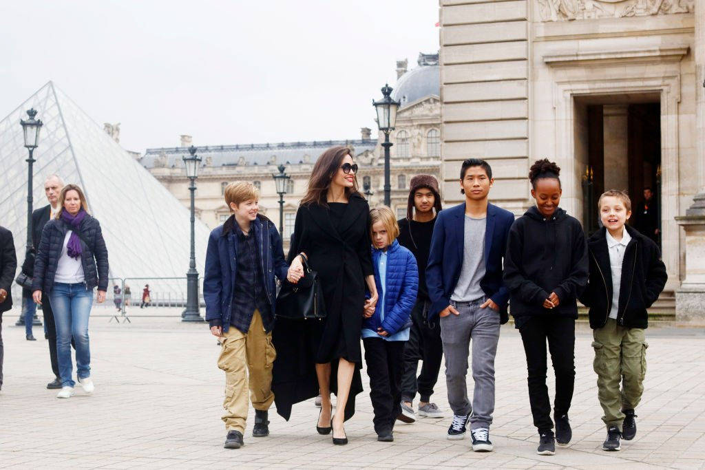 Image Source: Getty Images/NurPhoto/Angelina Jolie with her children Shiloh Pitt Jolie, Maddox Pitt Jolie, Vivienne Marcheline Pitt Jolie, Pax Thien Pitt Jolie, Zahara Marley Pitt Jolie, Knox Leon Pitt Jolie, visit the Louvre in Paris, France, on January 30, 2017