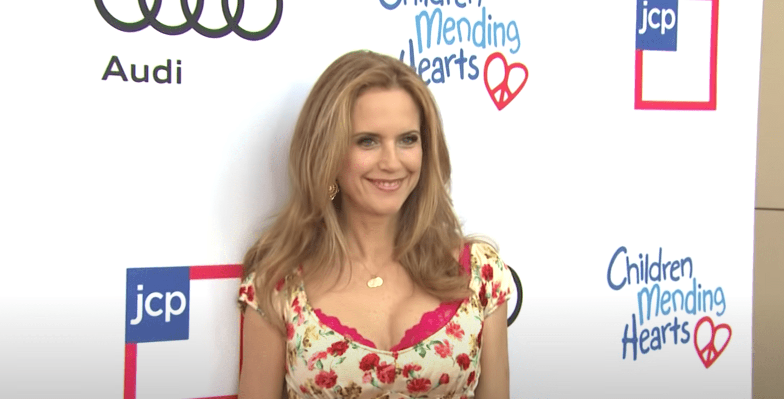 Image Source: Youtube/Access| Kelly at a Children Mending Hearts event