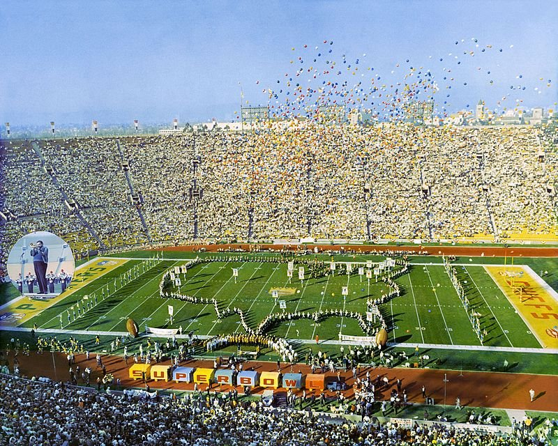 Los Angeles Coliseum Image Source: Wikimedia Commons