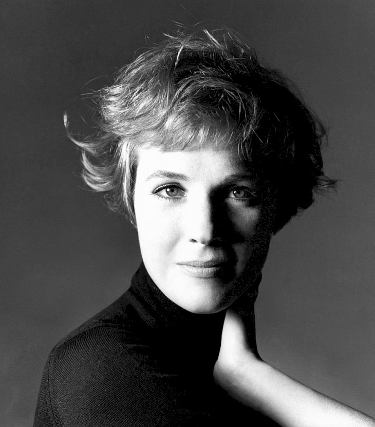 Image Credit: Getty Images / Dame Julie Andrews at a photoshoot.