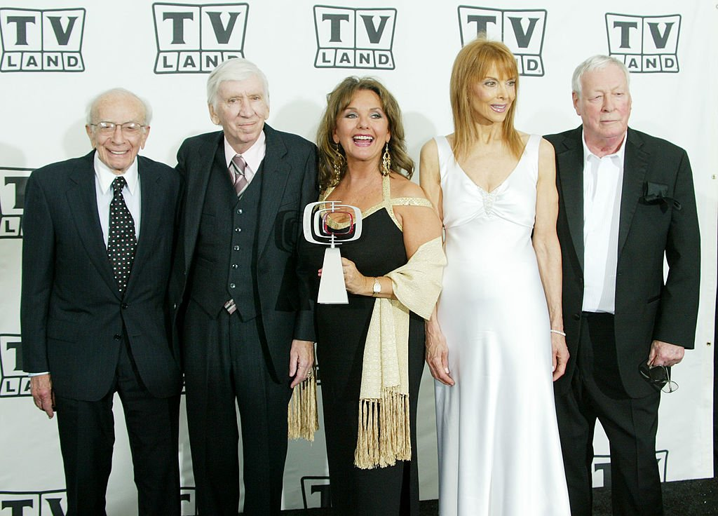 Image Credit: Getty Images / Pop Culture Award Winners The Cast of Gilligan's Island pose backstage at the 2nd Annual TV Land Awards held on March 7, 2004 at The Hollywood Palladium, in Hollywood, California.