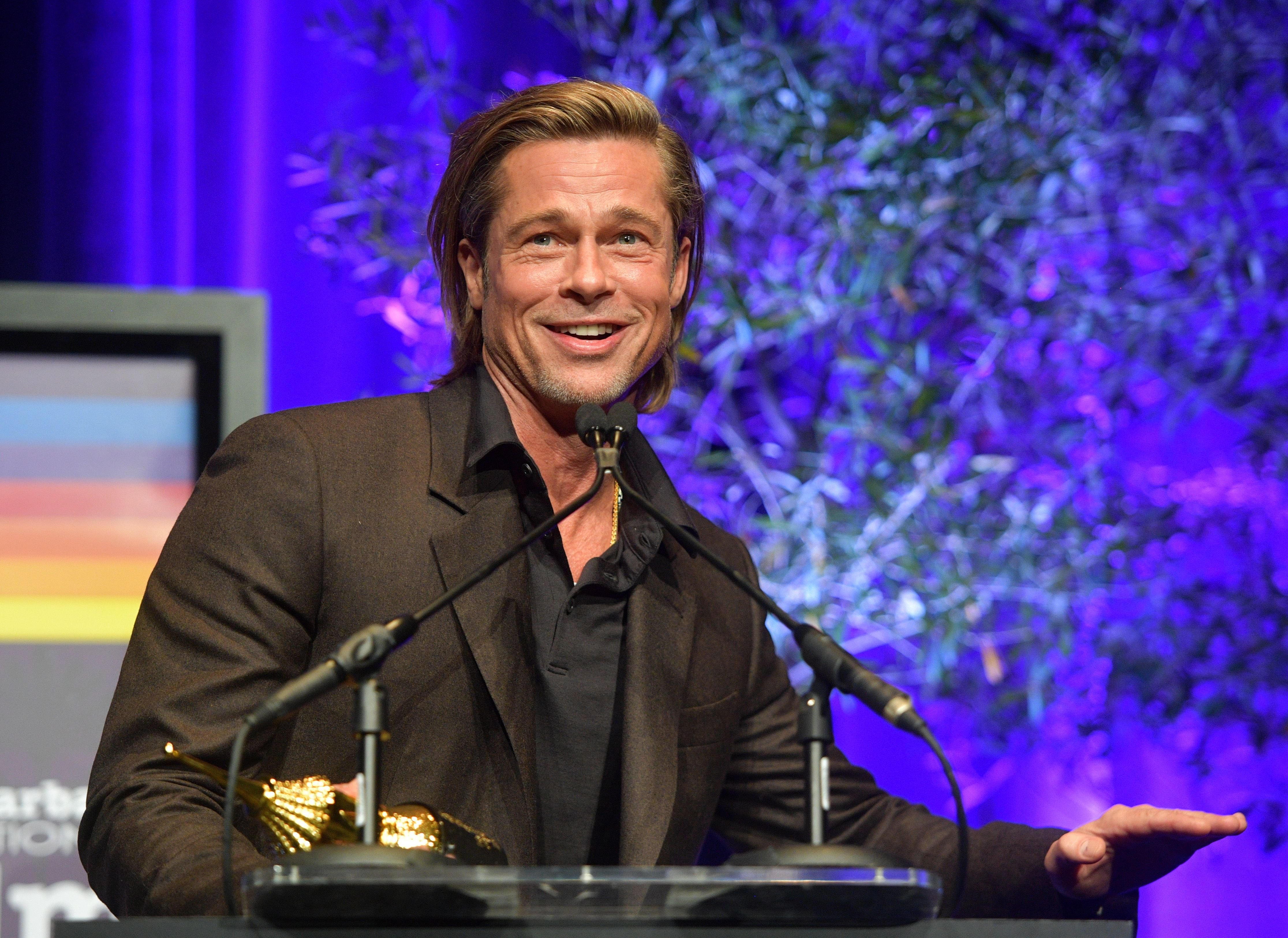 Brad Pitt speaks onstage at the Maltin Modern Master Award Honoring Brad Pitt during the 35th Santa Barbara International Film Festival at the Arlington Theatre/Photo:Getty Images