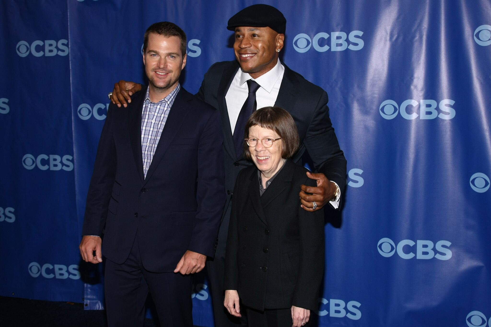 Image Credit: Getty Images / Actress and Oscar winner, Linda Hunt poses for a photograph with her cast members.