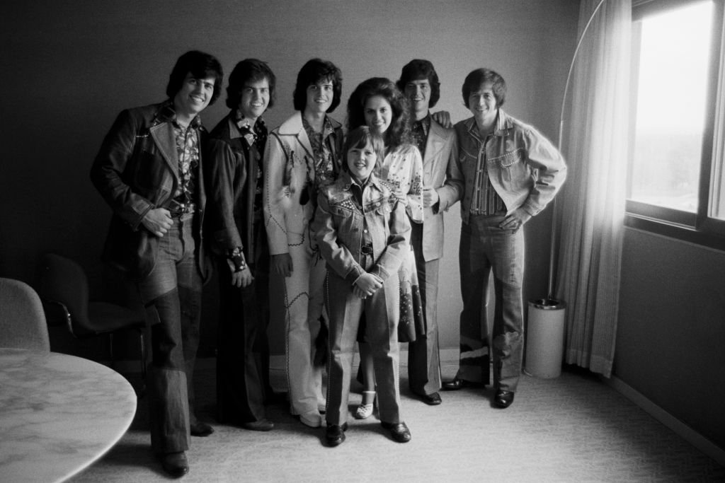 Image Source:Getty Images/Michel GINFRAY/The group 'The Osmonds' in 1975